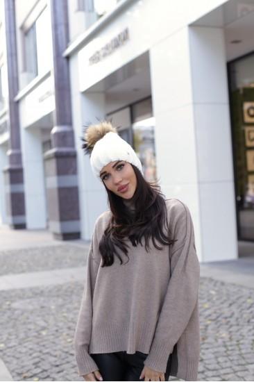 Любая шапка + помпон