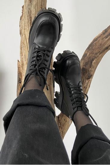 Ботинки кожаные на шнуровке черные