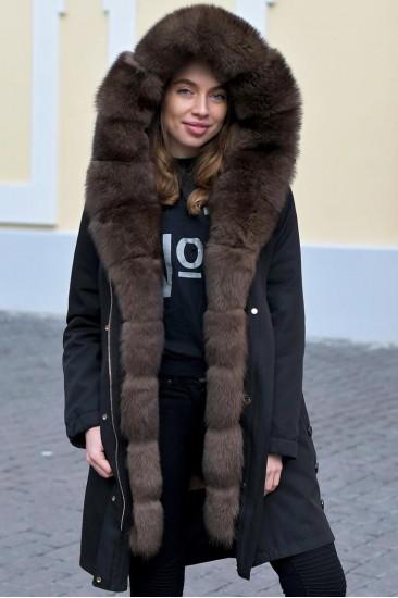 Зимняя женская парка с мехом соболя черная