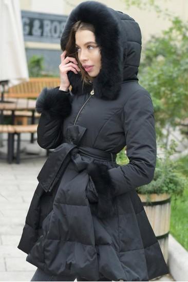 Зимний женский пуховик с мехом на рукавах Elisabetta Franchi