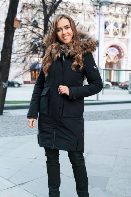Парка с накладными карманами черная и мехом енота