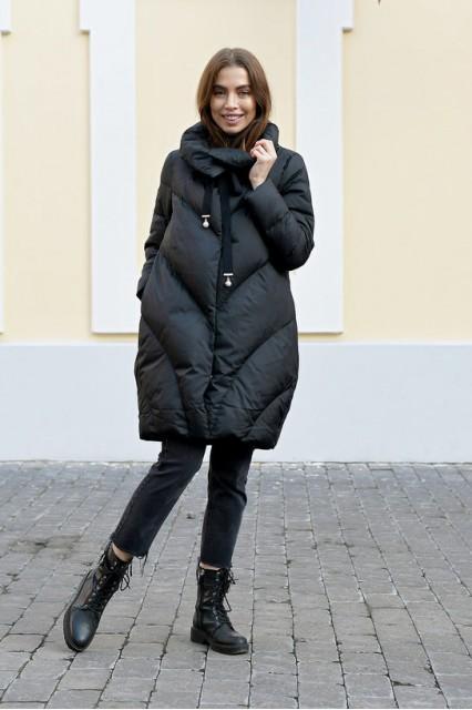 Зимний женский объемный пуховик Laplin черный
