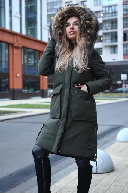 Удлиненное пальто c большим мехом
