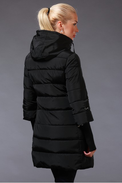 Куртка с брошкой