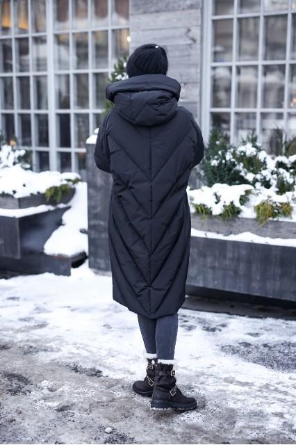 Длинный пуховик одеяло c накладными карманами MR черный