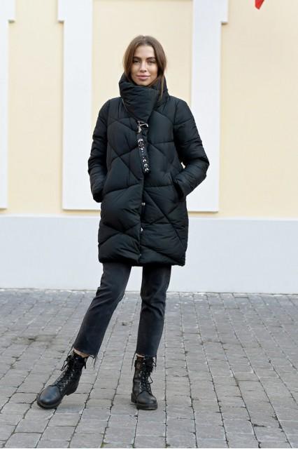 Женский объемный пуховик без капюшона Laplin черный