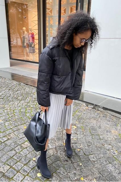 Куртка Dam25 черная, на синтепоне