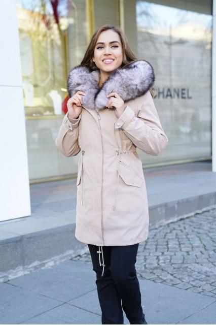 Бежевый пуховик Furs collection с мехом чернобурки