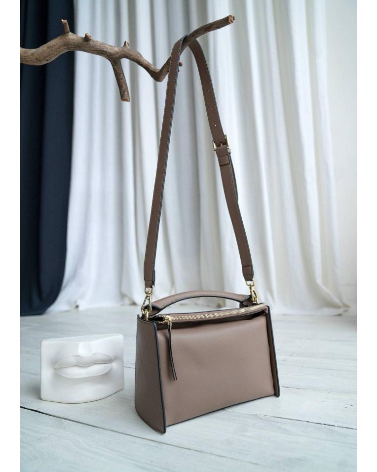 Бежевая сумка INEL