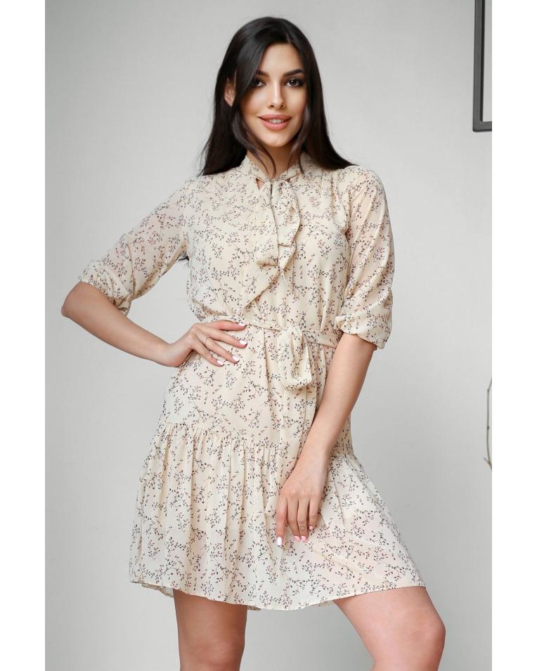 Легкое летнее платье в цветочный принт с поясом