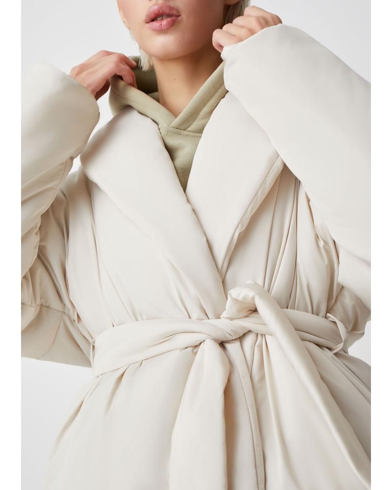 С поясом куртка Ava, молочный