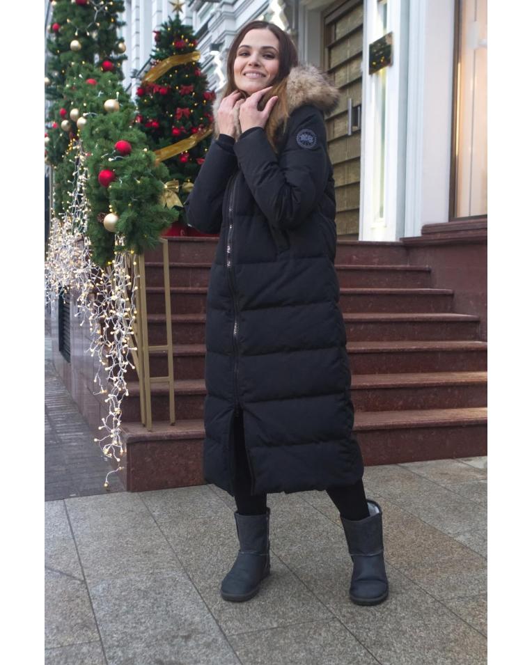 Женский длинный пуховик, черного цвета